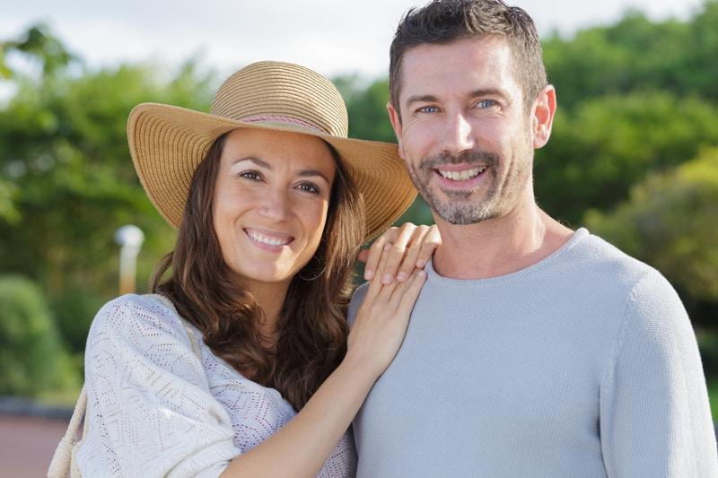 סדנה זוגית חווייתית פנים של זוג אוהב