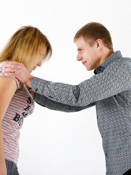 מאבקי כוח סביב אינטימיות ומיניות
